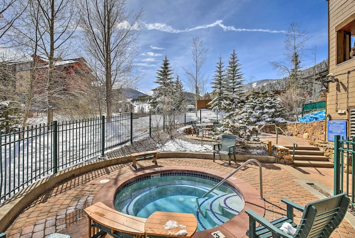 NEW! Cozy Ski-In/Ski-Out Winter Park Resort Condo!