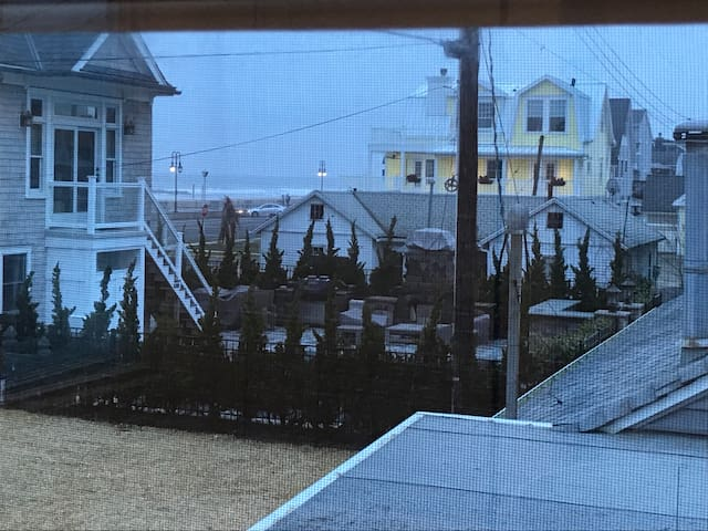 One house from ocean apt.!! - Belmar - Appartement