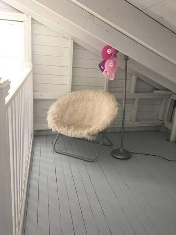 Loft seat