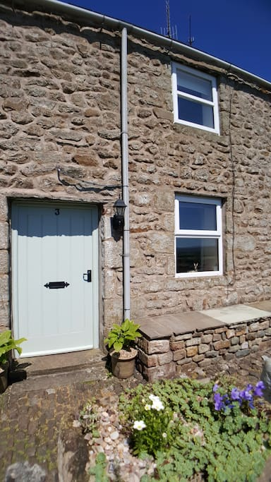 Enter our pretty 230 year old traditional stone character cottage with cobbled entrance path and you will find....