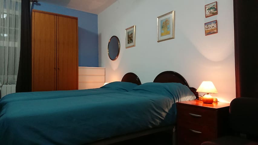 Independent room in Algorta, 5m. walk to the beach