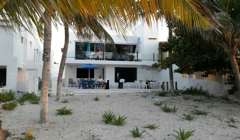 FRONT BEACH HOUSE / Ocean View / 2 Floors - Progreso - House