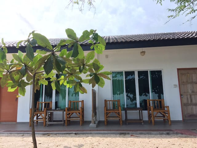 labu labi residence interconnecting rooms 2 chalets for rent in langkawi  kedah  malaysia
