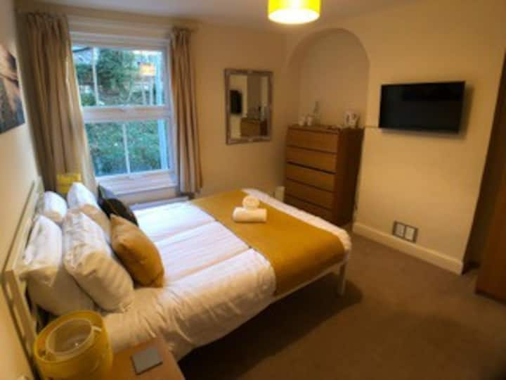 Stunning Room - Ipswich Central