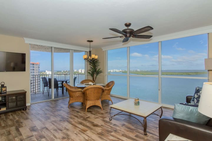 Luxuriously Appointed Condo! Stunning 12th Floor Views, Free WiFi & Parking, No Resort Fees!