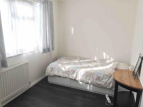 Single room available for women