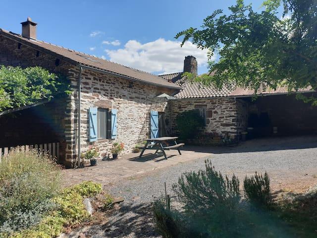 Domaine du Plan del Poux Gîte rural Sud Aveyron