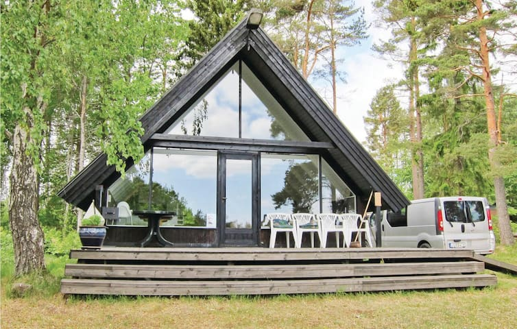 Holiday cottage with 1 bedroom on 80m² in Figeholm