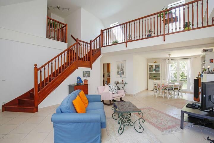 Grande Maison contemporaine sans vis-à-vis