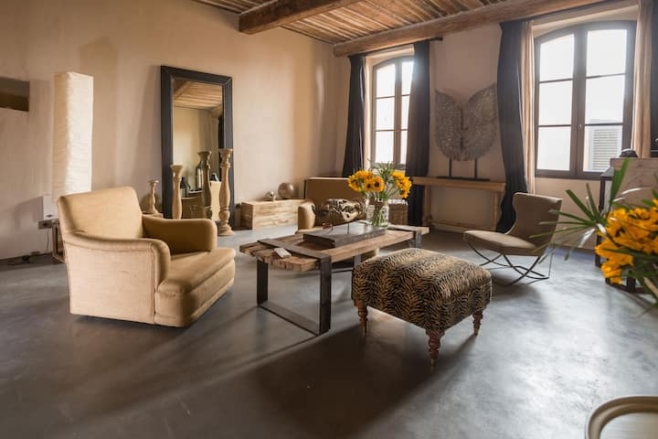 Tipical fisher house in the heart of Saint Tropez