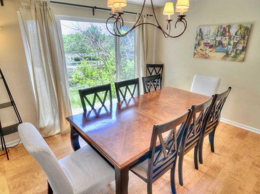 Formal dining in addition to casual dining in kitchen area, seats 8