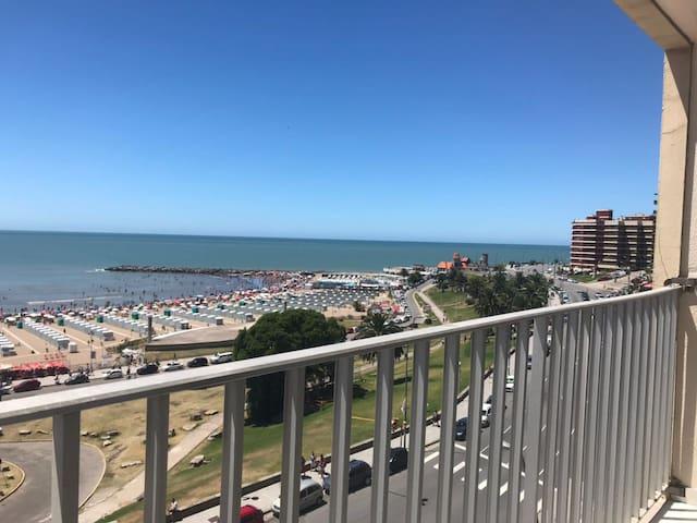 Modern and luxury apartment ocean front (Havanna)