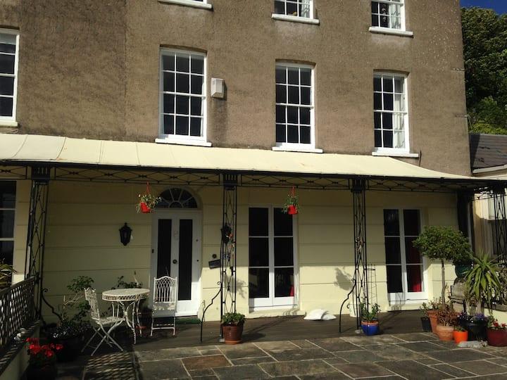 Single/Twin room in Georgian house in Clevedon