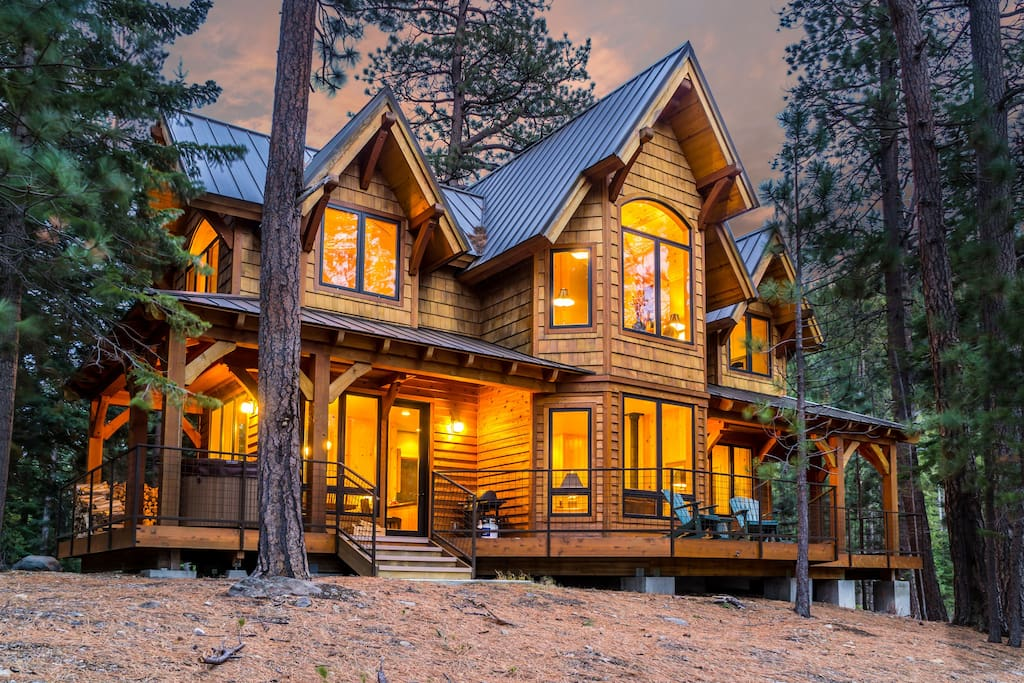 Romantic lakeside luxury cabin near tumalo falls cabins for Romantic cabins oregon