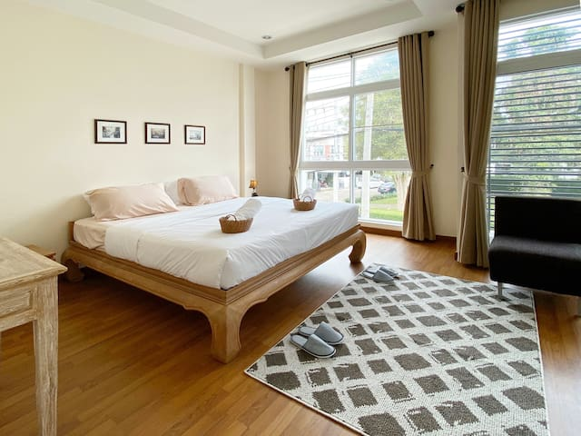Cosy&Private townhome with 2BR (10mins to center)