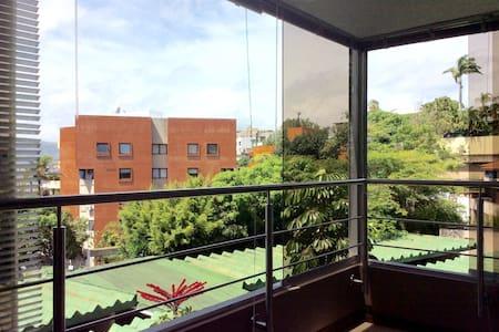 Apartamento moderno y cómodo ejecutivo - Caracas - Wohnung
