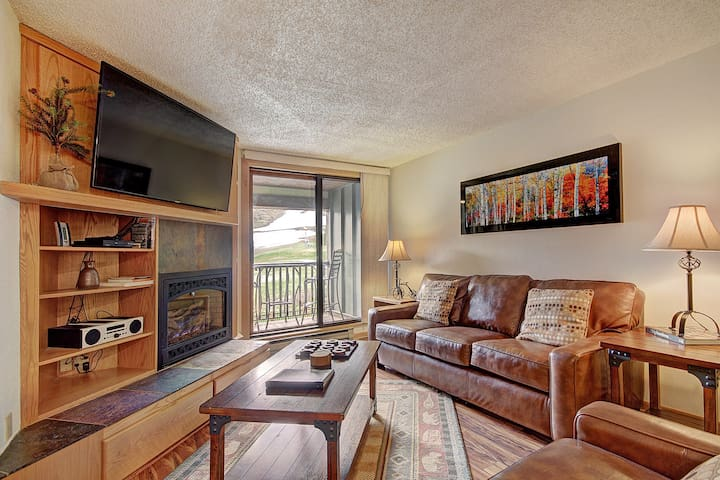 Beautiful Condo, Ski Out Your Back Door! FP202