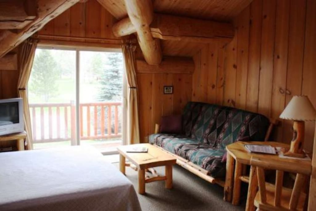 Stone wolf large studio cabins for rent in winthrop for Winthrop cabin rentals