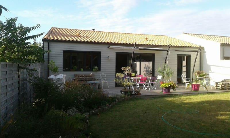 Agréable maison proche La Rochelle - La Jarrie, Aquitaine-Limousin-Poitou-Charentes, FR - บ้าน