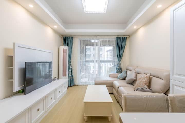 上海嘉定北地铁直通迪士尼和徐家汇知名房企精美新公寓家庭房整租