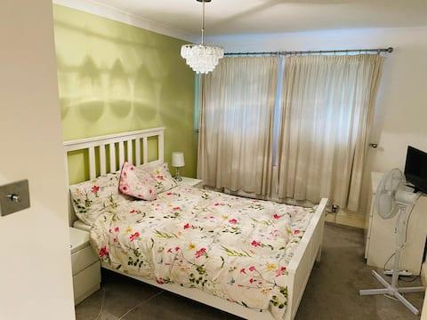 ENTIRE 2 BEDROOM FLAT GROUND FLOOR WITH PARKING