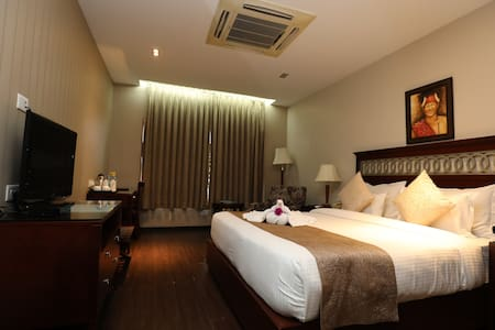 The Greenwood: Deluxe Room (AM Hotel Kollection)