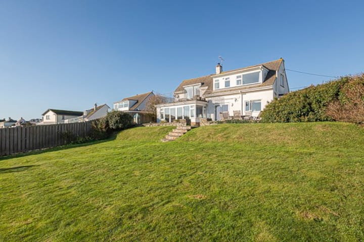 Sea Reach, 4 bed detached: sea views: Thurlestone