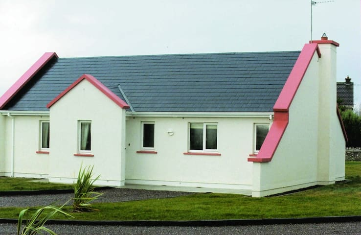 Banna Beach Resort - Tralee - House