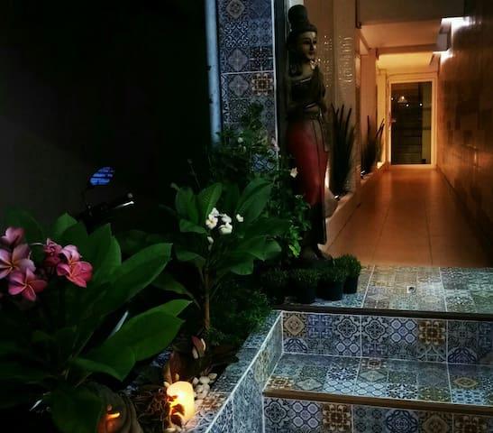 Na Banglampoo Guest House