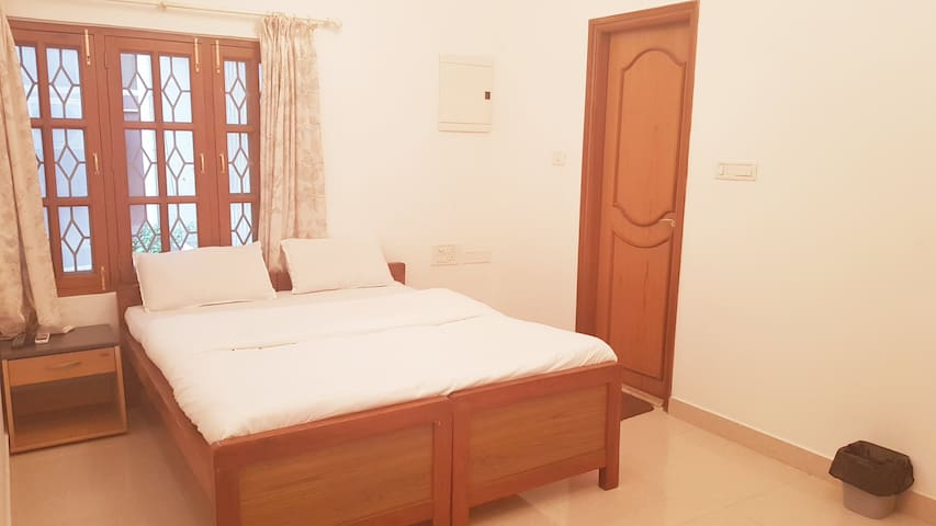 Beautiful Private Room Boutique Villa Koramangala