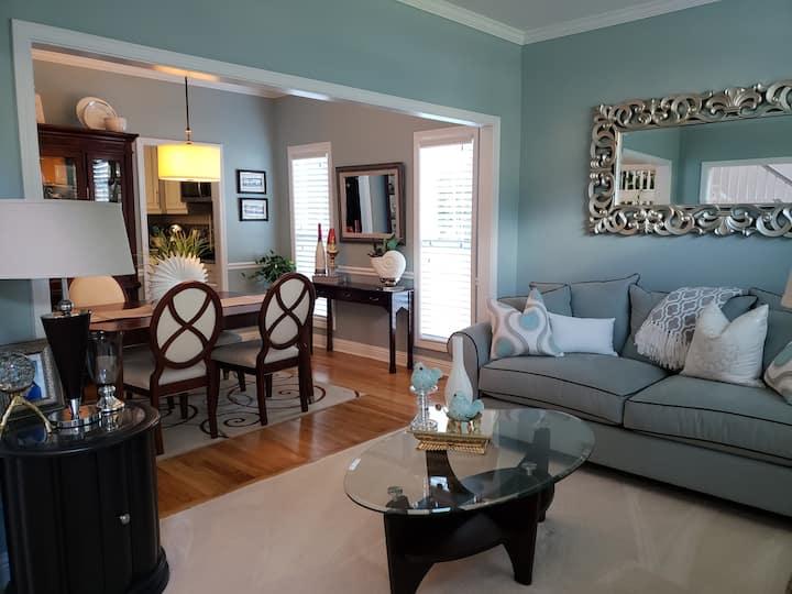 Beautiful bedroom/Quiet home