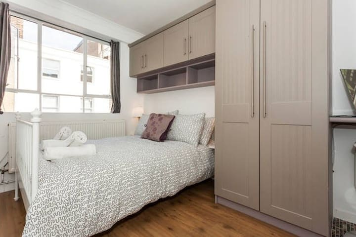2F Double with Private Bathroom - Londra