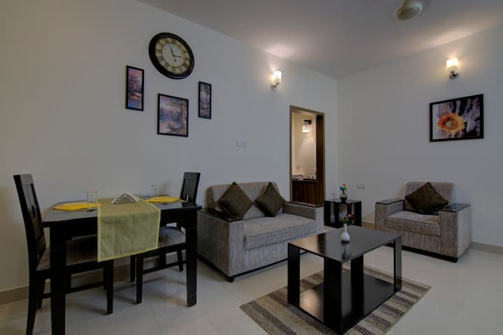 1BHK Family Suites With Wi-Fi/Kitchen Facilities