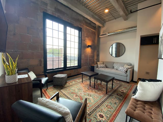 Trendy Loft in Renovated Downtown Waterloo!