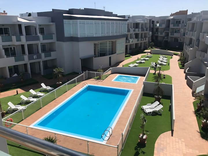 Fully airconditioned, new apartment with poolview