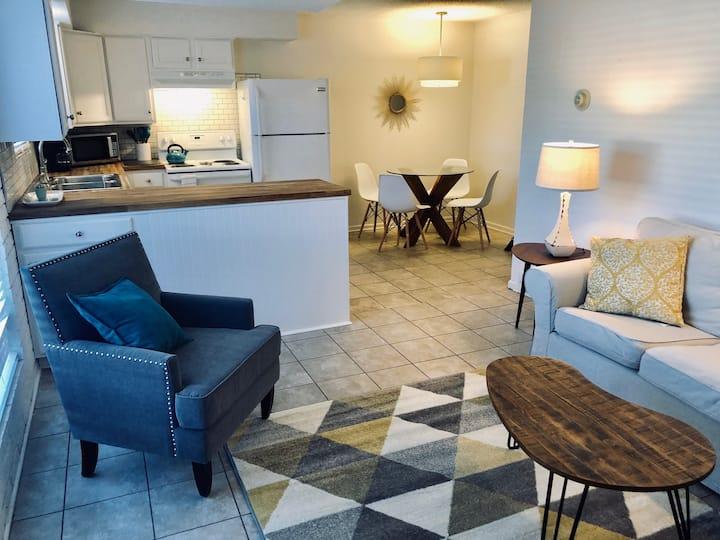 Cozy Duplex in Central Fayetteville