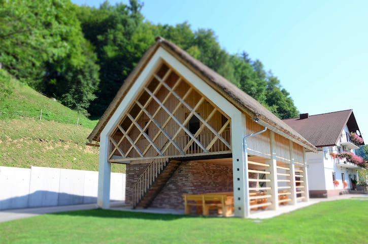 Turistična kmetija Žurej