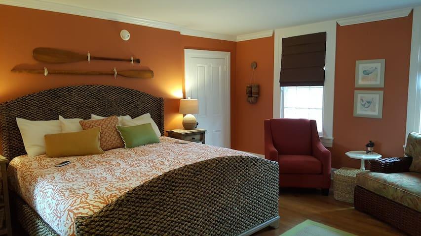 Milton Room - Mansion Farm Inn