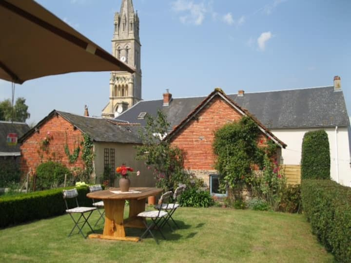 Charming Cosy Cottage in Rural Normandy