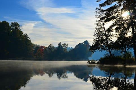 Bancroft's Little Island Lake Guest Suite