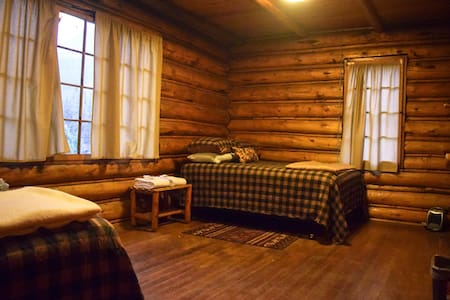 Room #8 in the Historic Range Rider Lodge - Andere