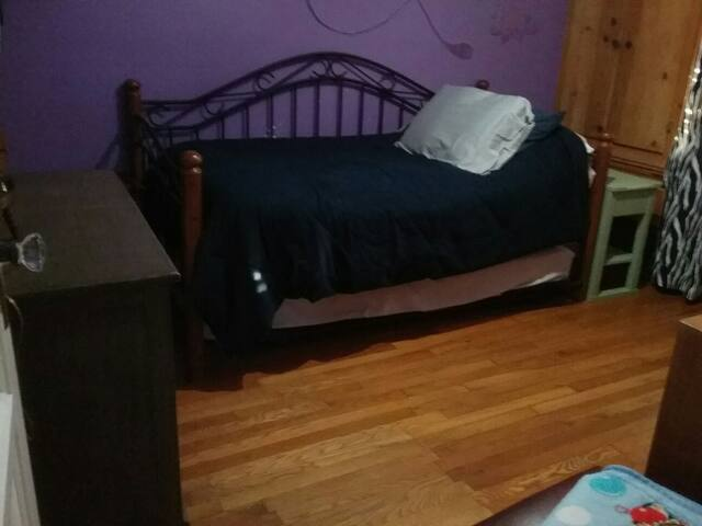 CLEAN, COZY BED AND ROOM - Rosemead - Casa