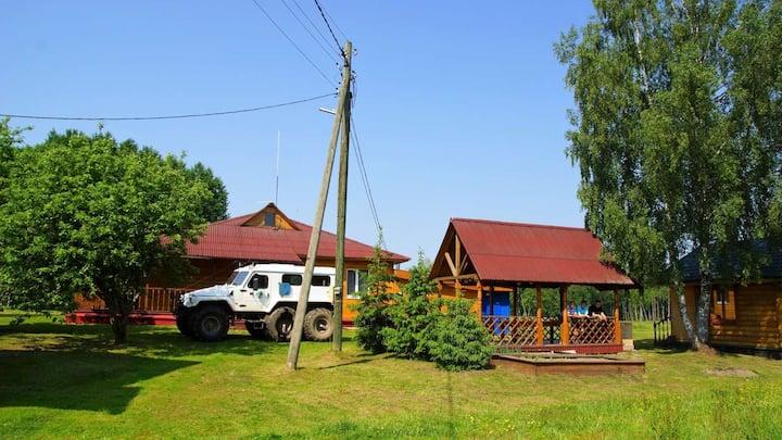Дом 200 кв.м.2 на участке 10 гектар.