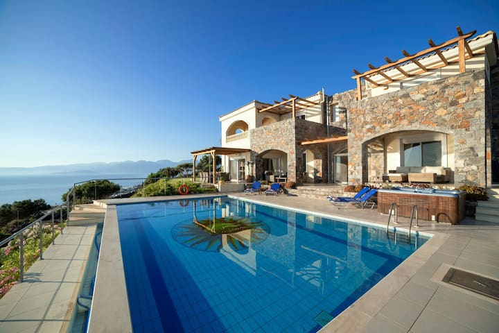 The perfect villa at an amazing location