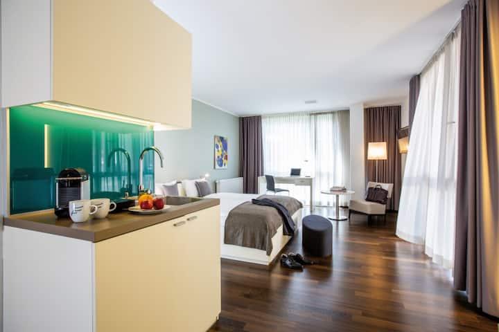 THE FLAG Zürich - Comfort Apartment in Altstetten