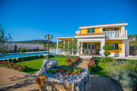 LUXURY  RELAX VILLA  SPLIT COUNTY, HEATED POOL