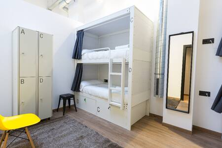 AirHostel Shared room