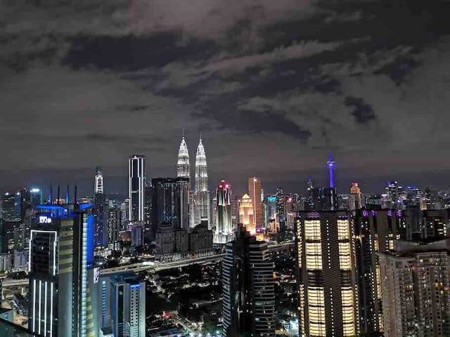 5min to KLCC$$ Amazing Twin Tower Bedroom View!!