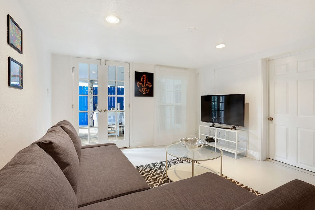 """Living Room with Sleeper sofa and 45"""" TV with netflix and hulu"""