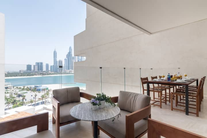 Stunning 3BDR with Jacuzzi on Five Palm Residences